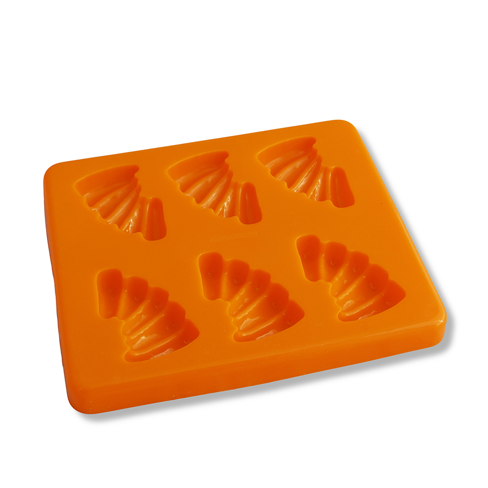 Puree Food Mould c/w Lid Baby Carrots